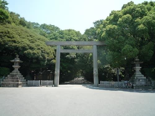 熱田神宮入口の鳥居